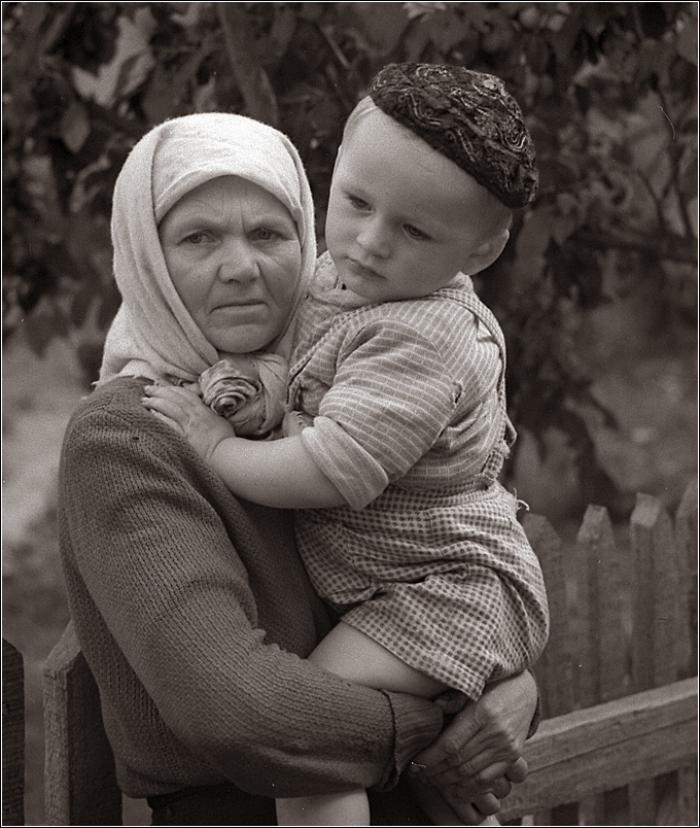 16. 1964. Село. Внучок
