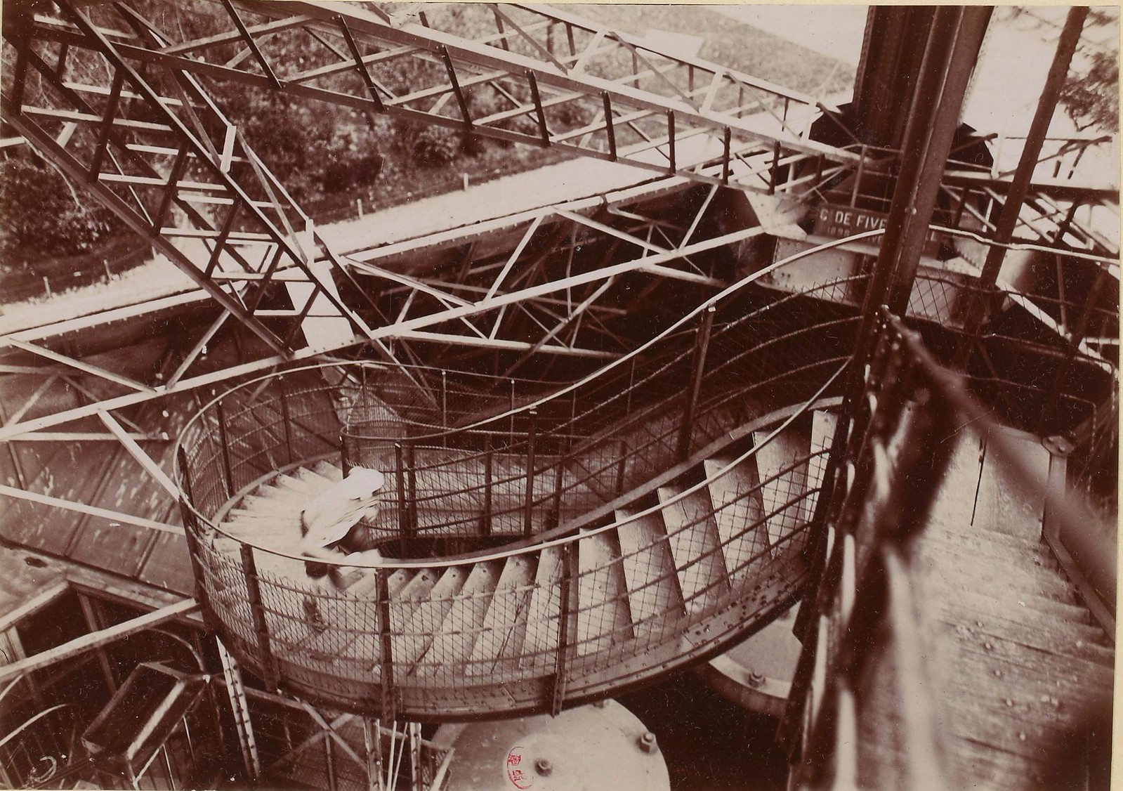 1906. Чемпионат по бегу по лестницам на Эйфелевой башне, 18 ноября