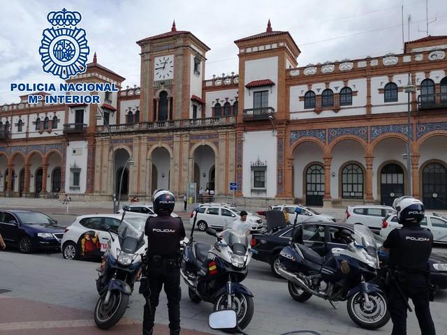 Policías nacionales en la estación de Jerez - POLICÍA NACIONAL - Archivo
