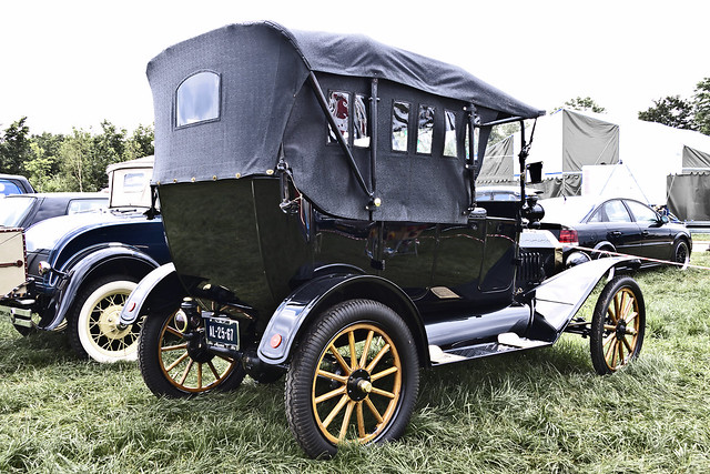 Ford Model T Touring 1915 (7728)