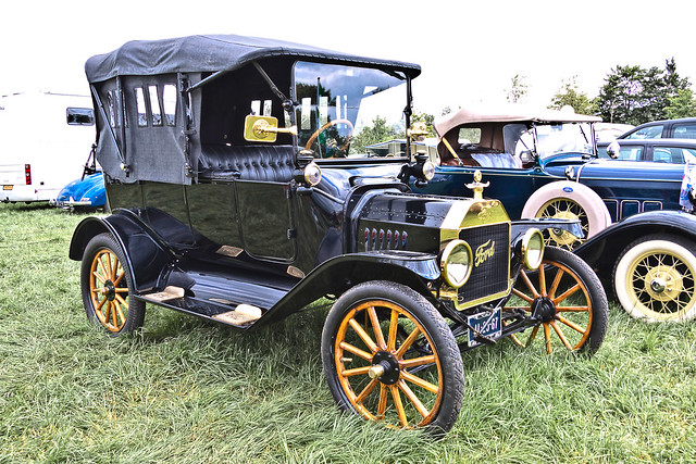 Ford Model T Touring 1915 (7730)
