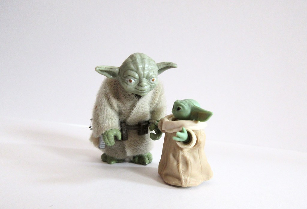 2020 Baby Yoda The Child from The Mandalorian and other Yoda 7336