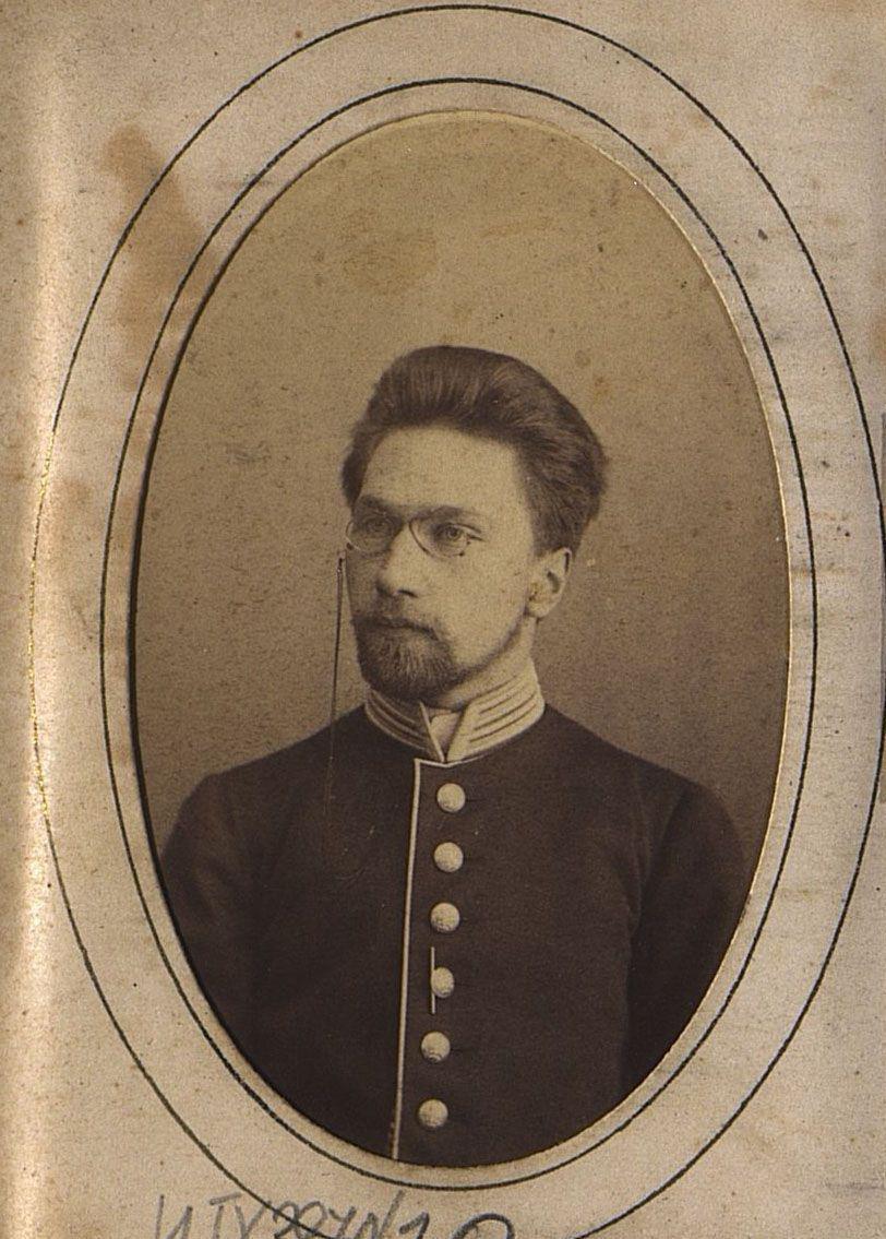 Оленников Константин Михайлович, ветеринарный врач