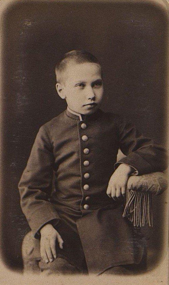 Оленников Константин Михайлович в детском возрасте. Иркутск (2)