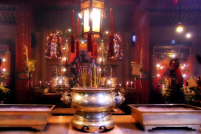 Hongkong - Chinese Temple - 237b