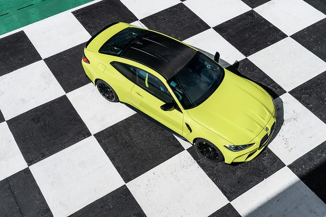 2021-BMW-M3-And-M4-59