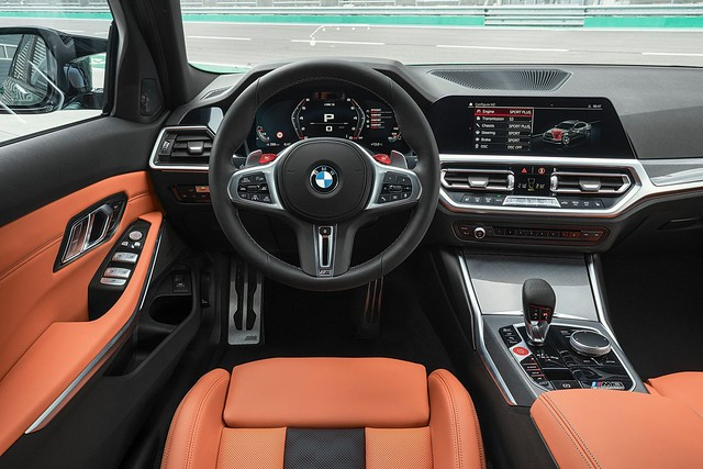 2021-BMW-M3-And-M4-35