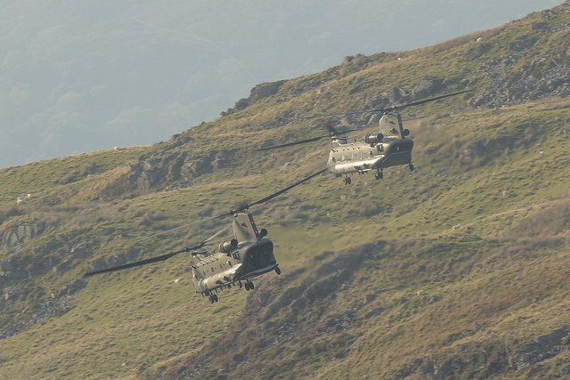 Pair of chinooks in the Mach Loop