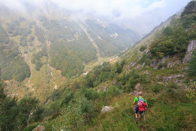 Si Entra in Val di Bares