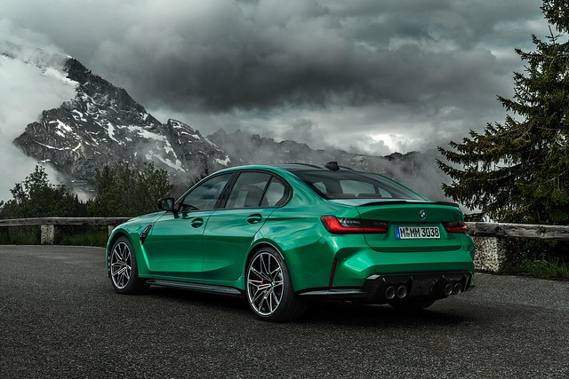 2021-BMW-M3-And-M4-18