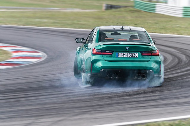 2021-BMW-M3-And-M4-97
