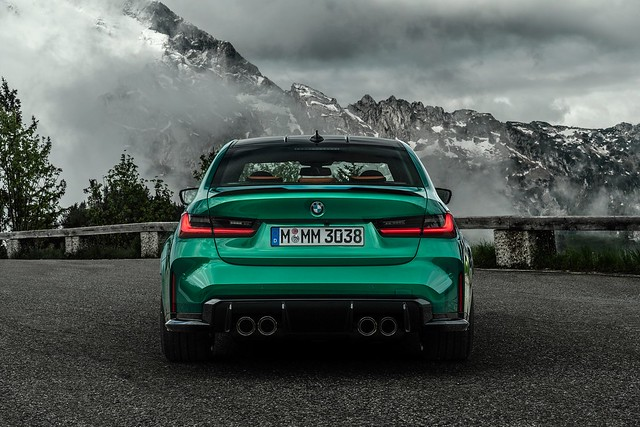 2021-BMW-M3-And-M4-17