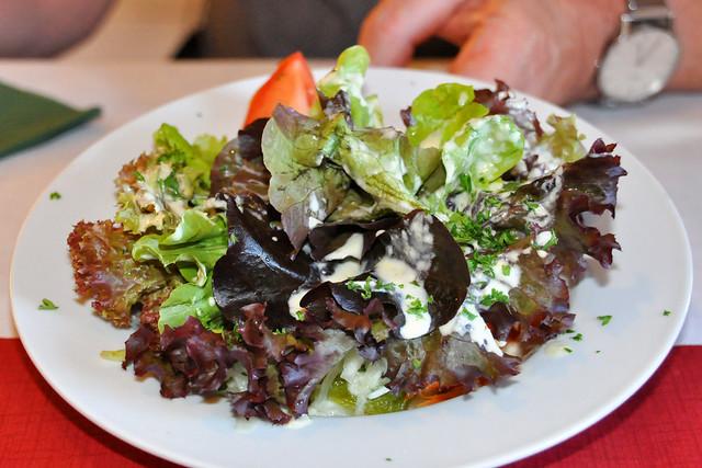 September 2020 ... Flammkuchen in Abbas Restaurant Bad Herrenalb ... Brigitte Stolle
