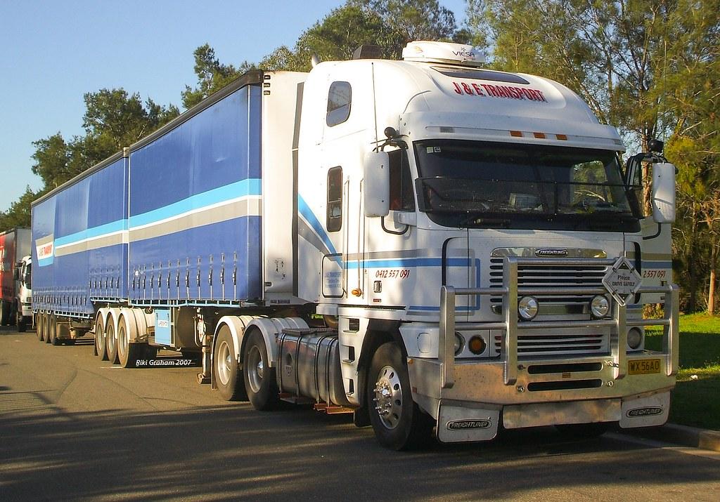J & E Transport Freightliner Argosy