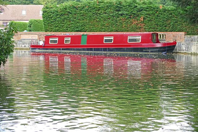 D24091.  Narrowboat.