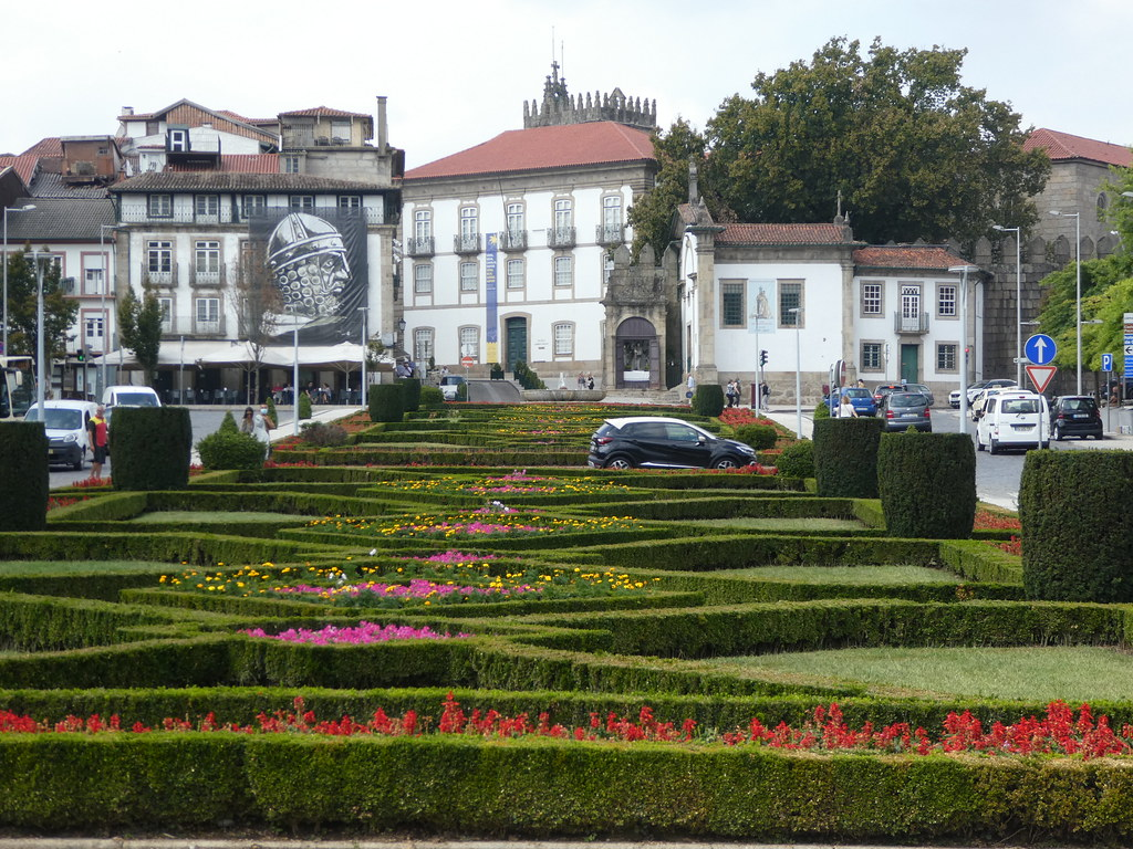 Largo da Republica do Brasil, Guimaraes