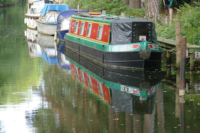 D24079.  Narrowboat Reflections.