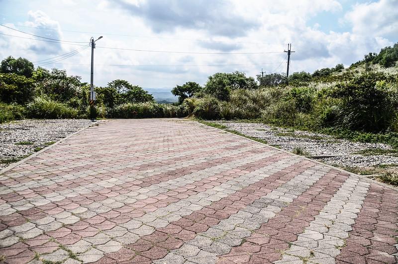 嶺頂步道停車場