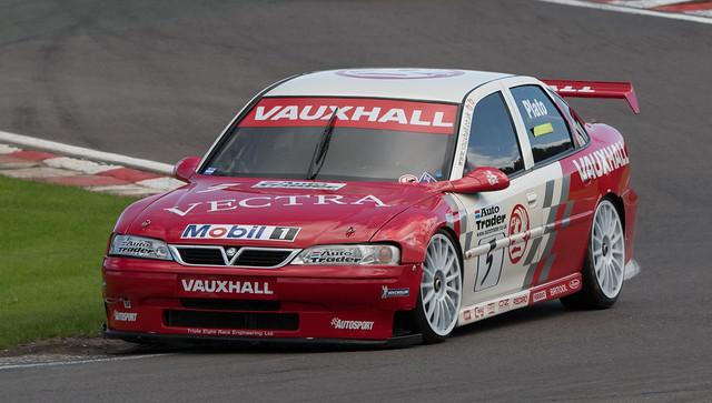 Vauxhall Vectra - Hughes