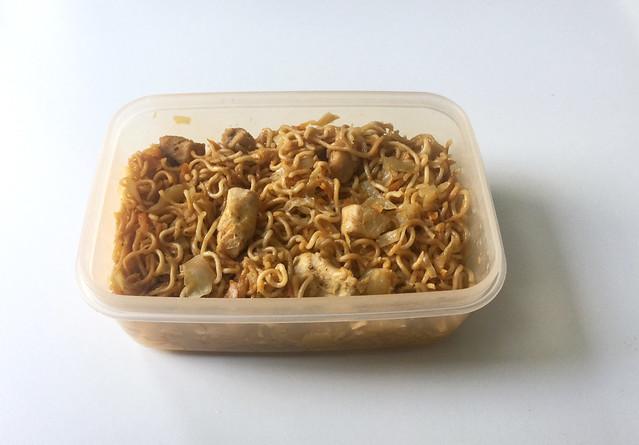 Asian cabbage chicken stir fry - Leftovers I / Asiatische Weißkohl-Nudelpfanne mit Huhn - Resteverbrauch I
