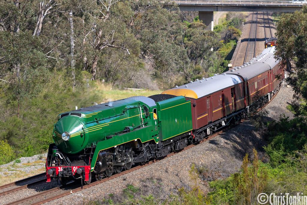 6S62 3801-train-4490 Tahmoor 23-09-2020 by Chris Tonkin