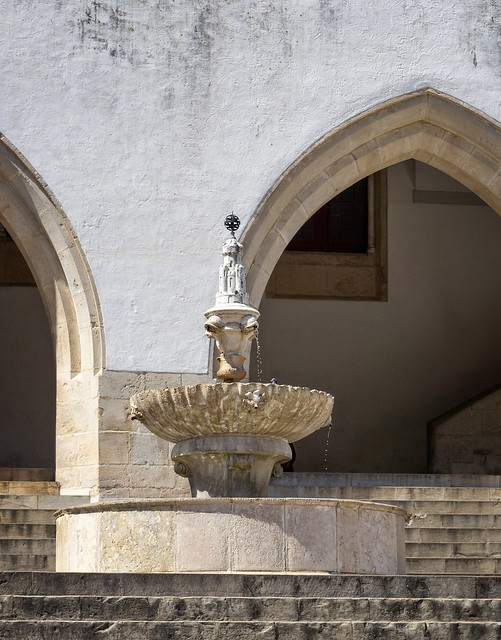 A fountain at the palace in Sintra