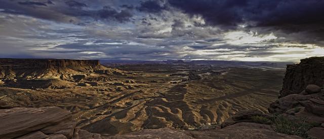 Approaching Storm (Canyonland)