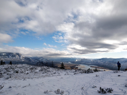 kamloops kamloopslake battlebluffs thompsonriver tranquille valley river lake mouth rivermouth view sky clouds cliff hill bluff sagebrush snow winter cold weather weatherphotography mountain liz