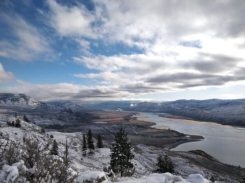kamloops kamloopslake battlebluffs tranquille thompsonriver valley river lake mouth rovermouth mountain hill bluff cliff clouds sky snow winter cold weather weatherphotography landscape view vista