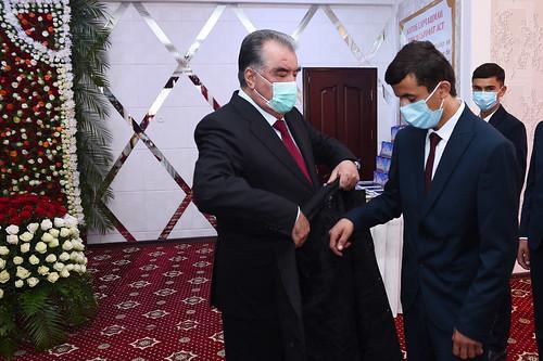 Тақдими туҳфа ба 100 нафар ятими кул дар ноҳияи Восеъ   24.09.2020