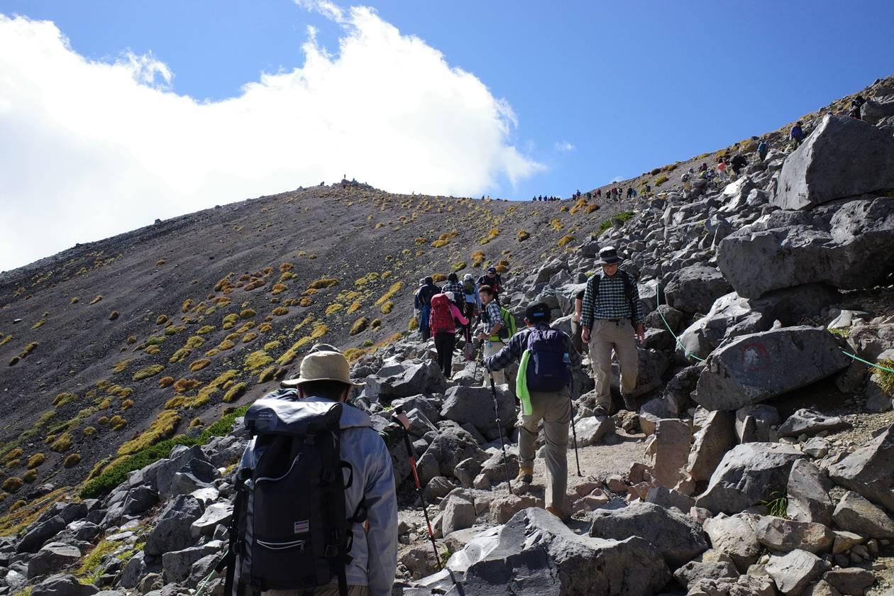 乗鞍岳の稜線へ
