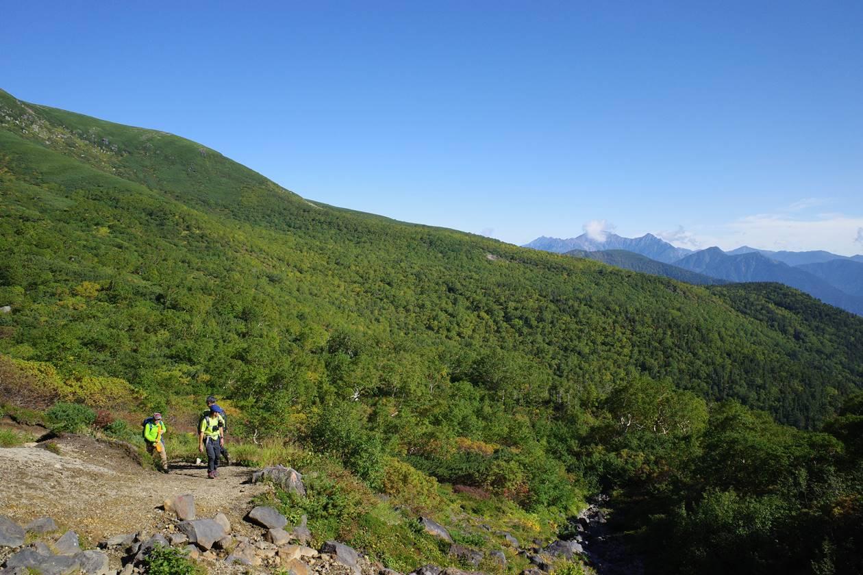 乗鞍岳登山道から眺める穂高岳