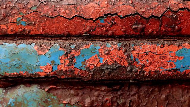 Rusty red & blue