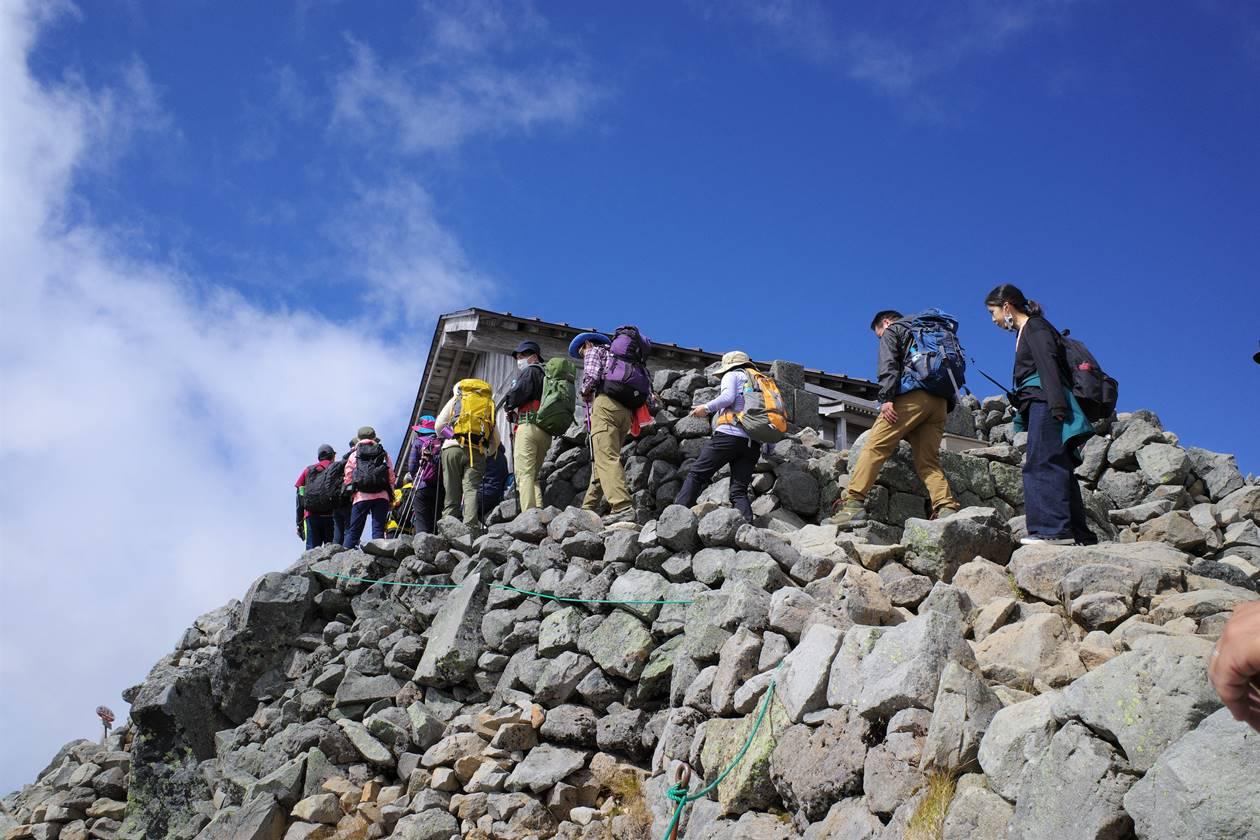乗鞍岳 山頂の渋滞