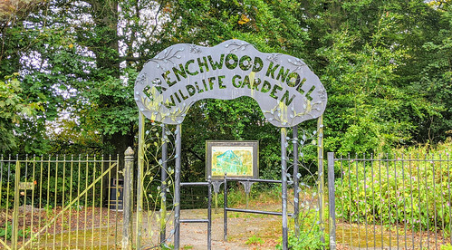 Frenchwood Knoll gateway | by Tony Worrall