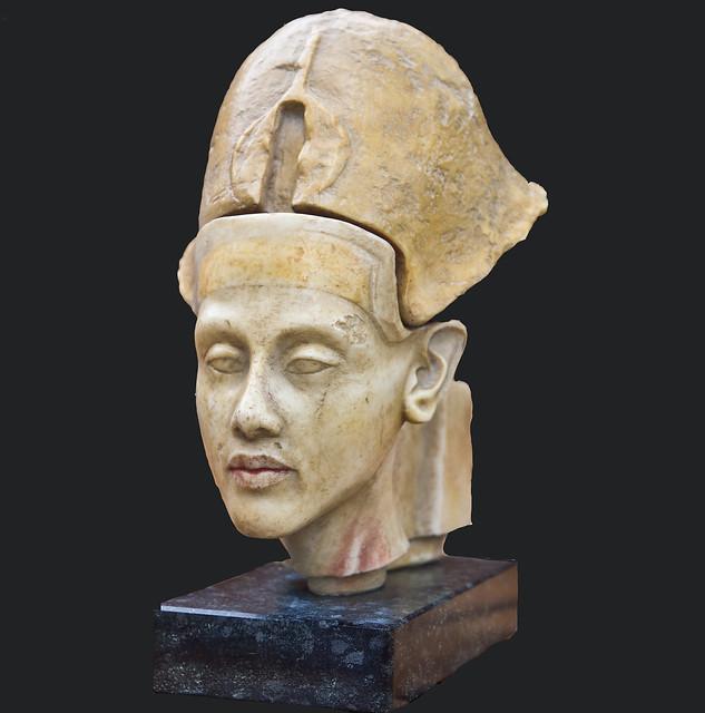 Amenophis IV   (Echnaton)