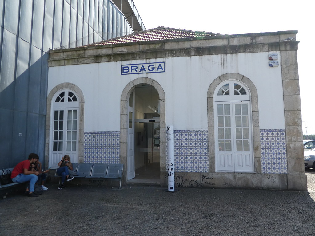 Braga old station building