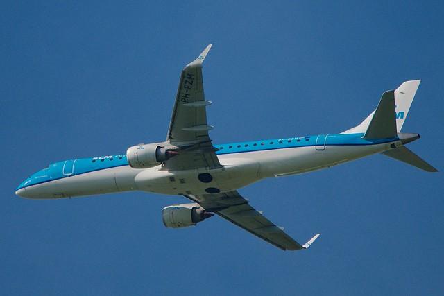 PH-EZM ERJ-190STD   KLM
