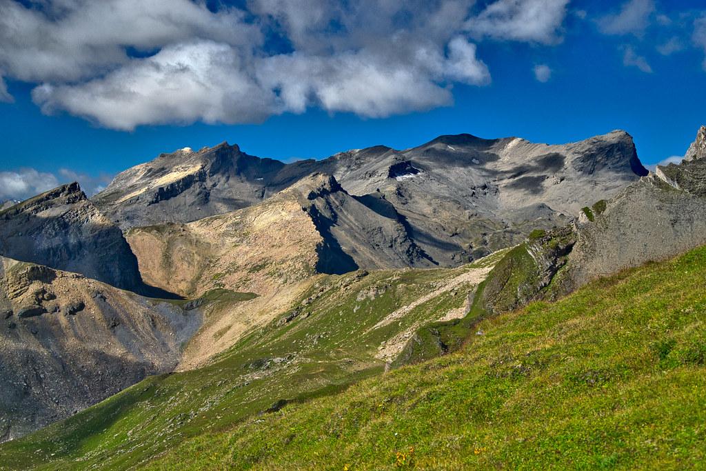 Bruschghorn (3056 m) in Graubünden, Switzerland