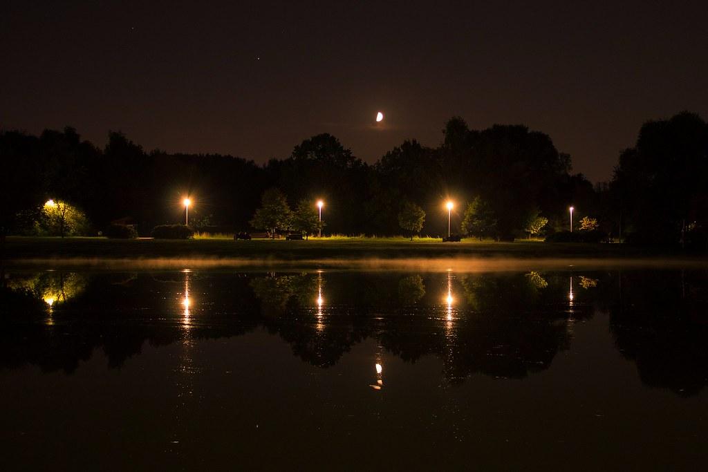 Moon, Jupiter, Saturn, lights and reflections