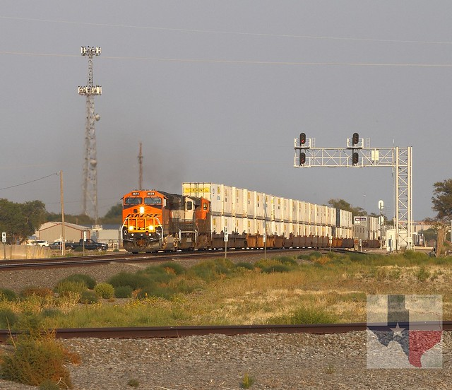 BNSF 3678 West - Canyon