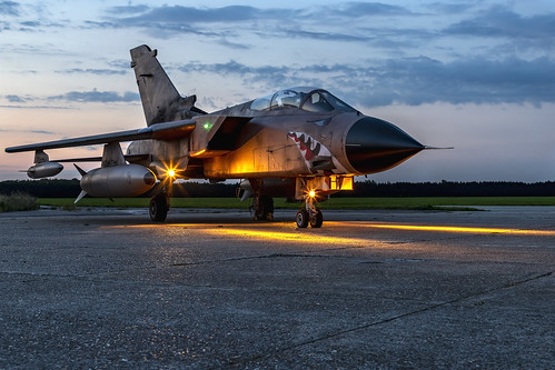 panavia tornado painted represent gr1 za447 ea mig eater raf no 15 squadron operation granby positioned front setting sun white waltham royal air force sunset kev gregory canon 6d mark 2 ii