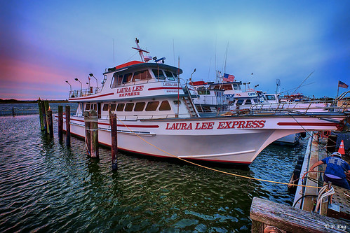 landscape composition flickr fujifilm photography mirrorless nature outside outdoor scenery travel travelphotographycaptreestatepark newyork longisland bayshore sunset fishing fishingboat lauraleeexpress bluehour