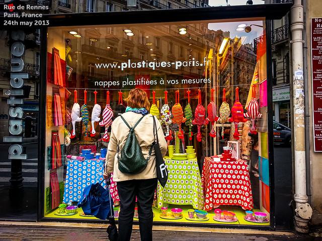 SHOPPING IN PARIS (2013)