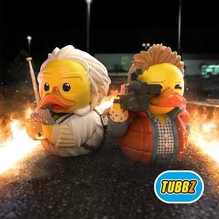浴缸裡重現經典場景~TUBBZ《回到未來》馬蒂&布朗博士 黃色小鴨角色扮演收藏