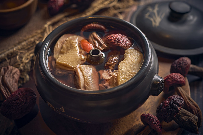 Steam Pot Chicken Soup with Yunnan Red Mushrooms 大红菌汽锅鸡