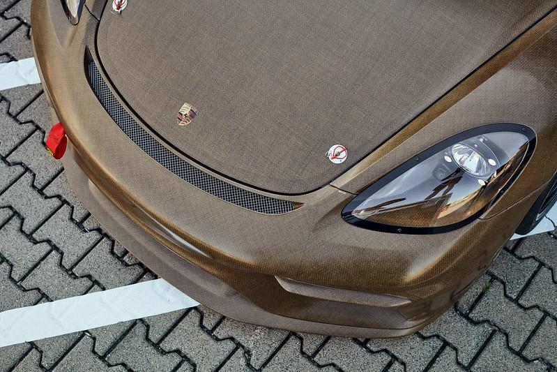 Porsche-718-Cayman-GT4-Clubsport-MR-with-natural-fibre-composite-body-kit-3