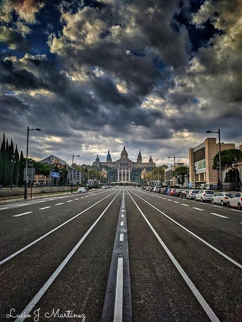Barcelona. Avenida de la Reina María Cristina. Queen María Cristina Avenue.