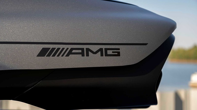 mercedes-amg-roof-box (7)