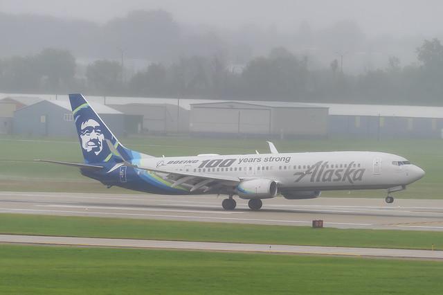 Alaska Airlines Boeing 737-990ER(WL) N248AK